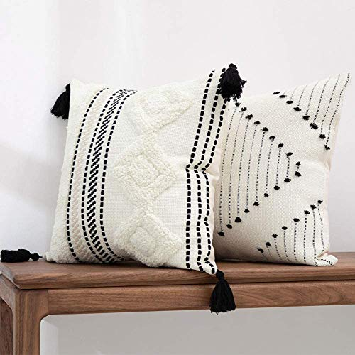 hi-home Set of 2 Tufted Boho Cushion Covers, 45x45CM Decorative Throw Pillow Covers Square Soft Pillowcases with Tassels for Couch Sofa Bedroom Livingroom Garden Chair (Black Yellowy Cream)