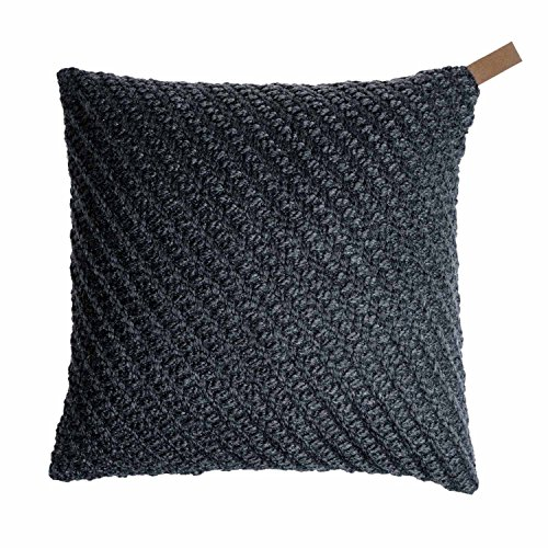 Black Velvet Studio Knot cushion cover. 80% wool and 20% polyester. Colour: dark grey. Knotted fabric with rich texture. 45x45 cm.